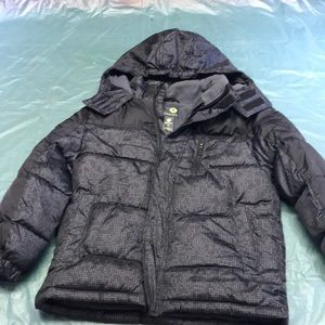 Boys Size 8 Coat. New Condition.
